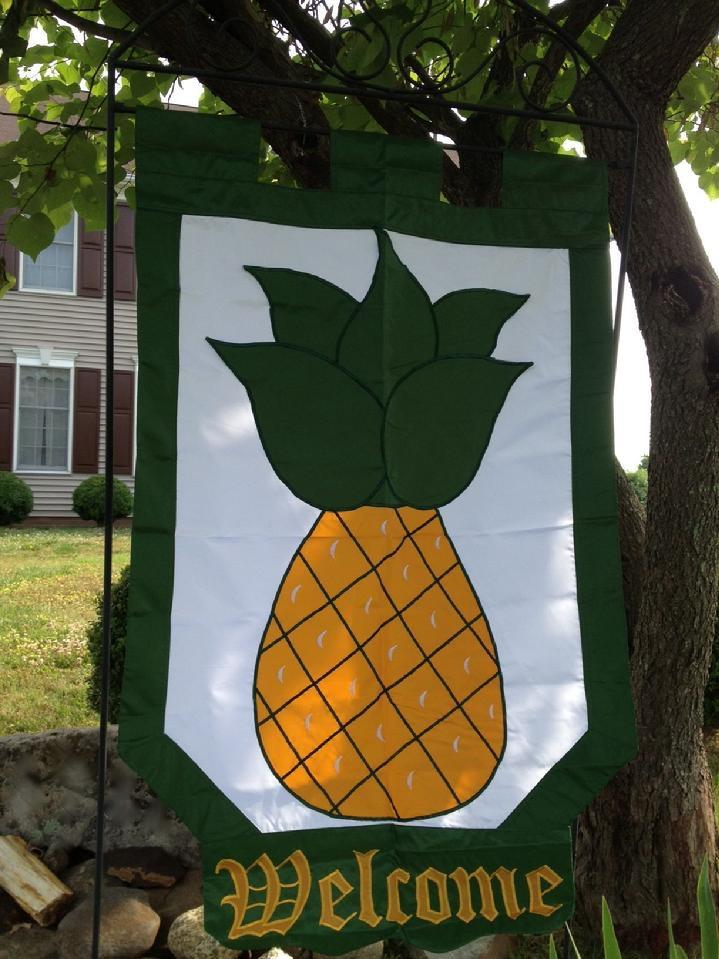 COLONIAL PINEAPPLE WELCOME FLAG SALES WILLIAMSBURG PINEAPPLE FLAG SALES BY  BALD EAGLE FLAG STORE FREDERICKSBURG VA